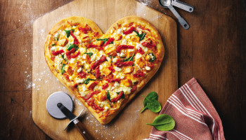 Instituto Educacional Construindo o Saber promove Pizza Solidária
