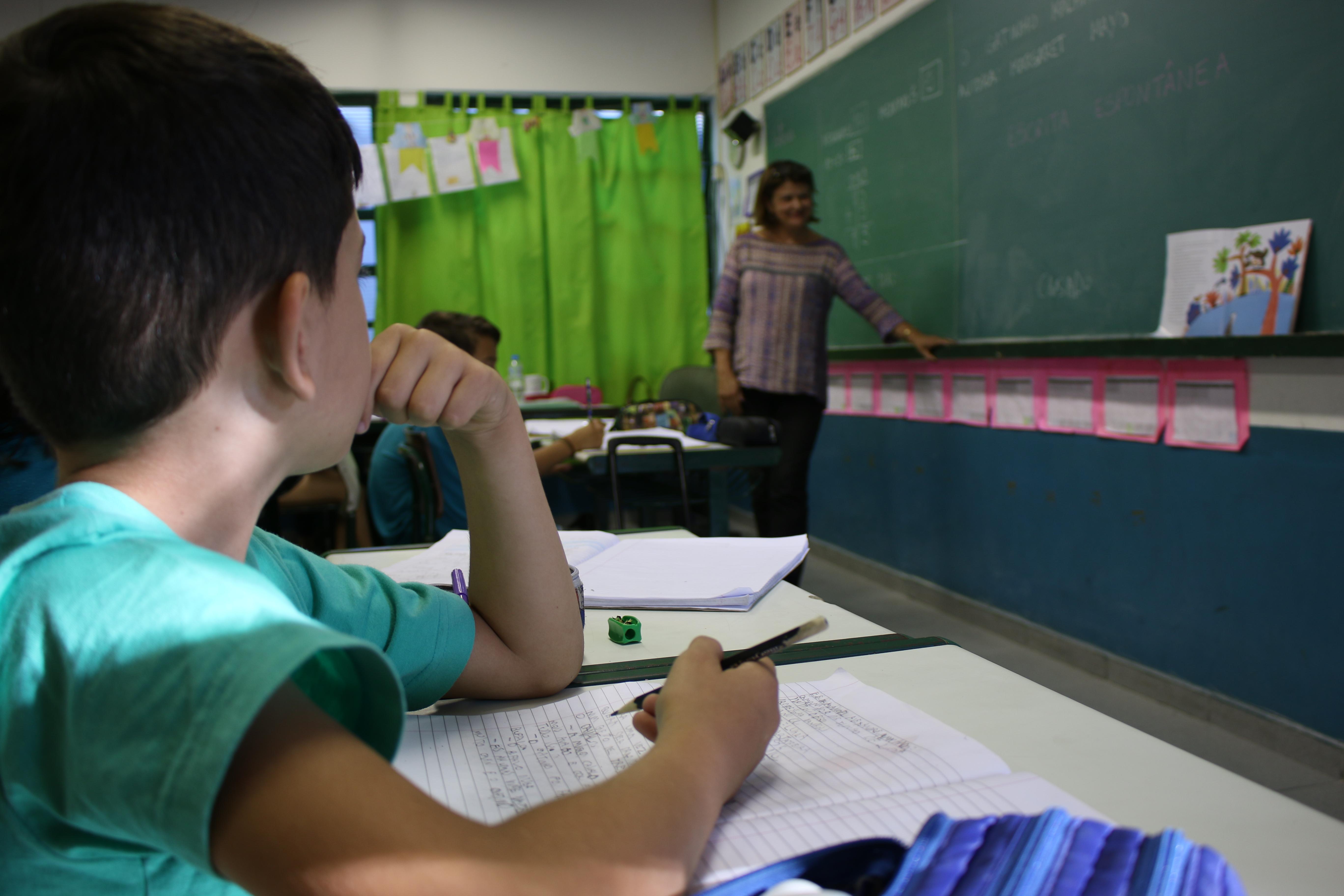 Afetividade Promove Aproxima O Dos Alunos Com O Aprendizado Em Sala  -> Imagens De Sala De Aula