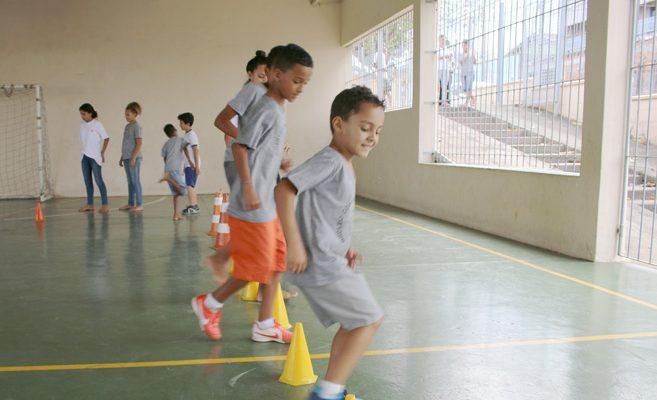 Prática esportiva garante socialização e é aliada na formação  de crianças e adolescentes