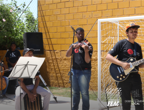 #Com_Unidade revitaliza espaço de convivência na Vila Francisca
